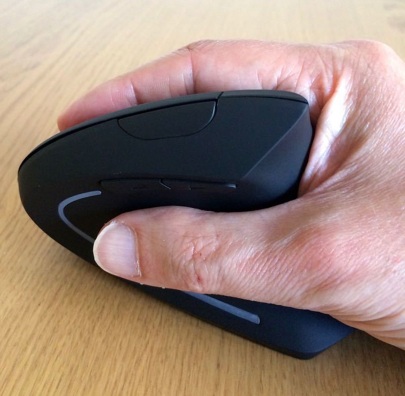 Anker 2.4G Wireless Vertical Mouse Review Grip